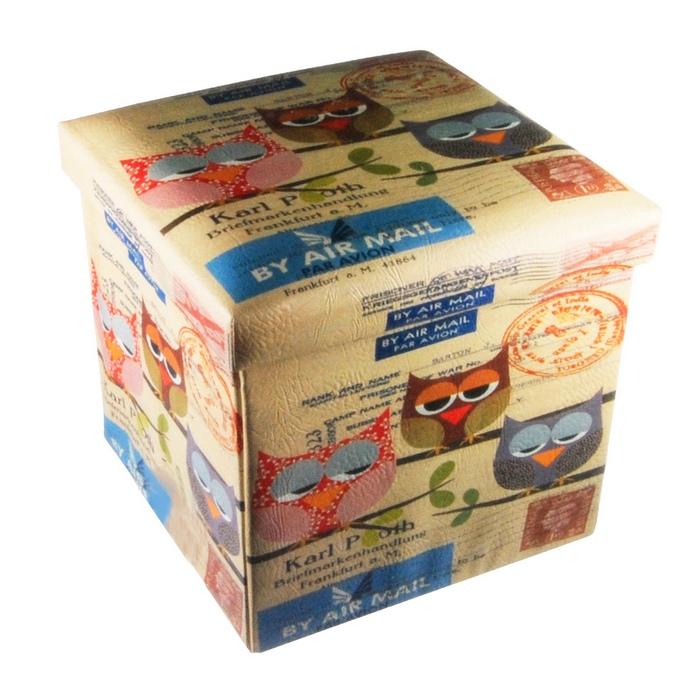 Poufs d co maison fut e for Decoration d une boite en carton