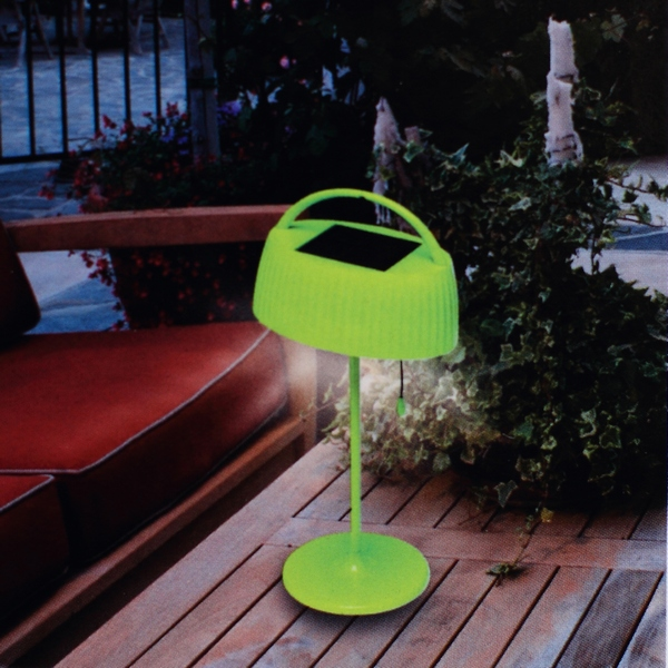 lampe de table solaire led vert maison fut e. Black Bedroom Furniture Sets. Home Design Ideas