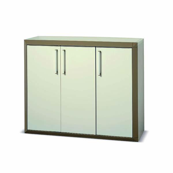 armoire basse en r sine 3 portes beige maison fut e. Black Bedroom Furniture Sets. Home Design Ideas